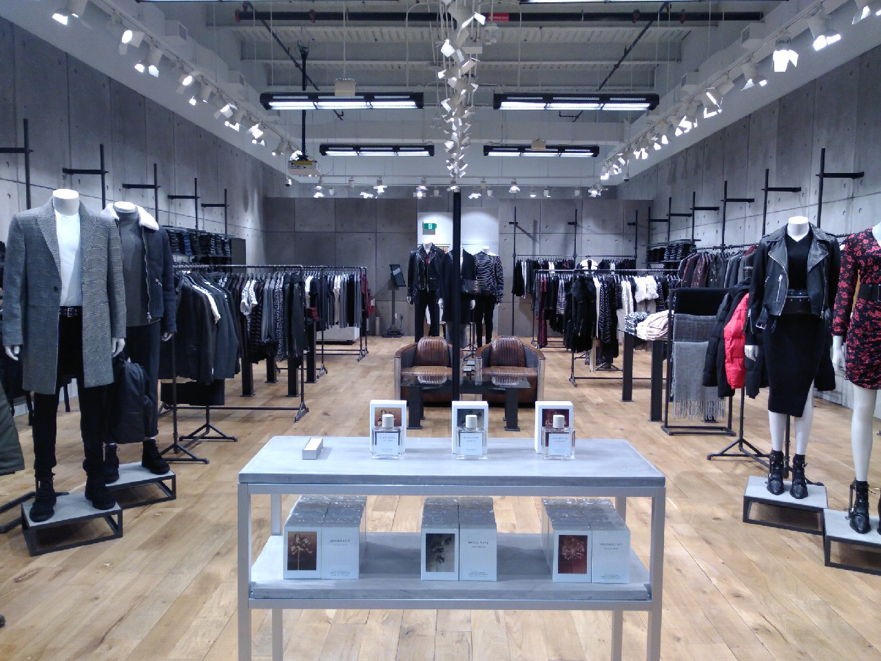 ALLSAINTS Yorkdale Shopping Centre